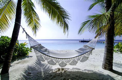 mirihi  maldives experts   resort hotels