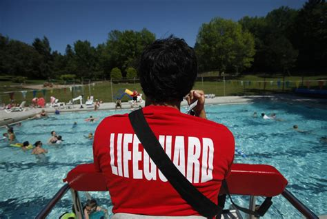 pool running 101 it is actually kind of awesome what lifeguards think about while on duty