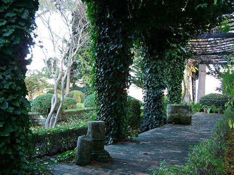 Vista Gardens by House Moorish King