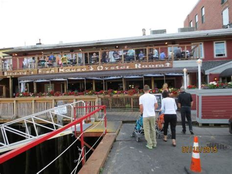 boones fish house free during happy hour picture of boone s fish house oyster room portland