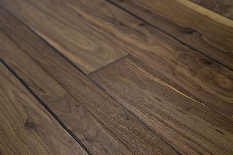 Hallmark Flooring by 5 8 Quot X 7 1 2 Quot Prefinished Engineered Walnut Historic Hardwood