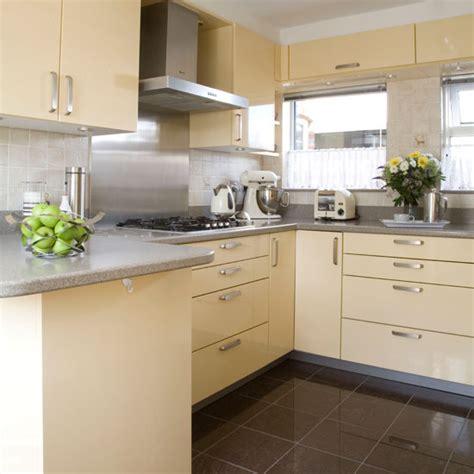 kitchen ideas with cream cabinets modern cream kitchen kitchens kitchen ideas image
