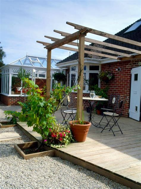 how to construct a pergola how to build a wall leaning pergola how tos diy