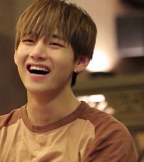 kim taehyung smile bts kim taehyung smile appreciation army s amino