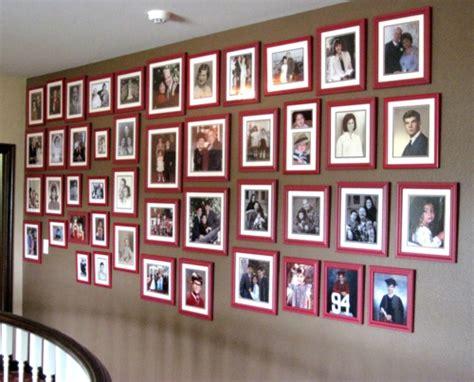 fotowand gestalten coole wanddeko eine fotowand mit familienfotos gestalten