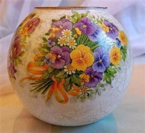 fiori per decoupage vaso tondo di vetro con fiori decoupage decorazione