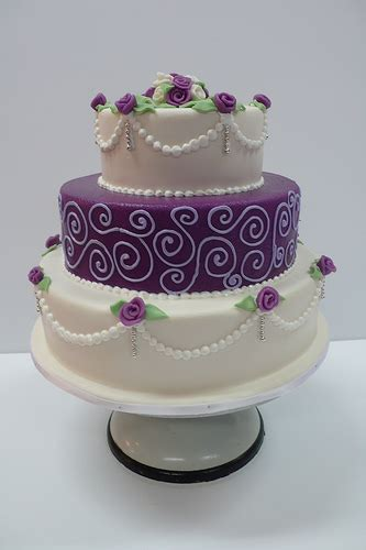how to decorate the cake at home decorating wedding cakes the wedding specialiststhe