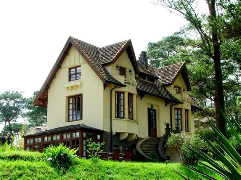 french colonial homes french colonial exteriors pinterest
