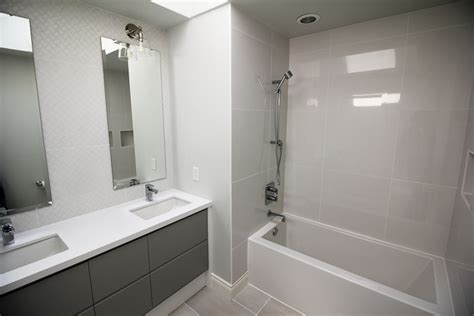 easy bathroom torontos best bathroom renovation contractor