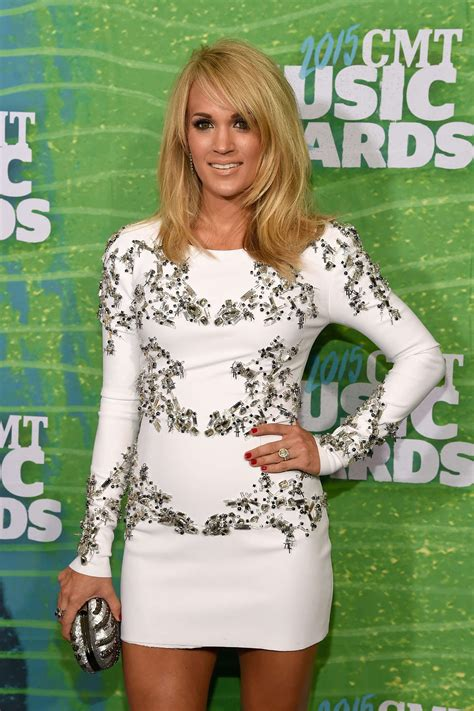 carrie underwood body carrie underwood 2015 cmt music awards in nashville