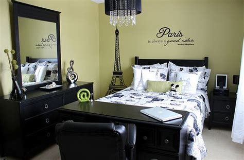 travel themed bedroom my new bedroom it s kind of paris or travel themed with