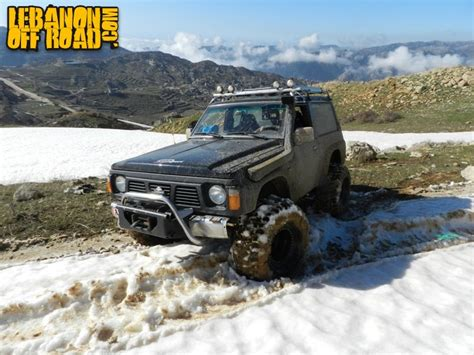 nissan range rover lebanonoffroad com album patrol and range rover on mud