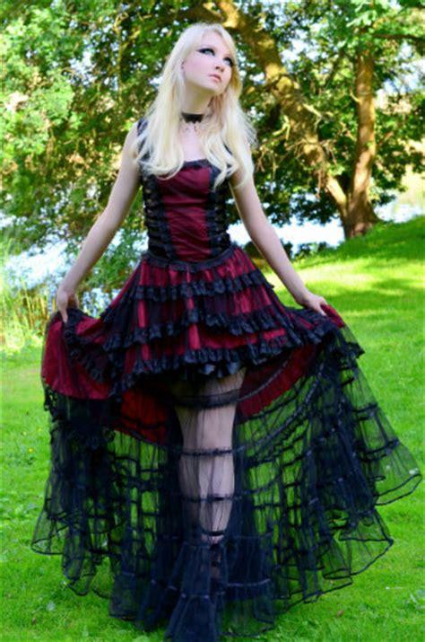 Romantic Goth   Gothtypes Wiki   Fandom powered by Wikia