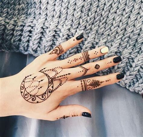 henna tattoo easy hand 25 best ideas about henna tattoos on