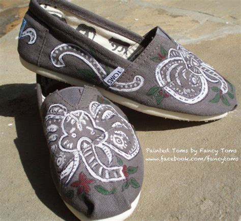 elephant shoes for handpainted custom toms shoes elephants from fancytoms on etsy