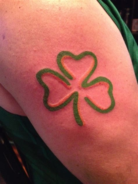 3 leaf clover ink in skin