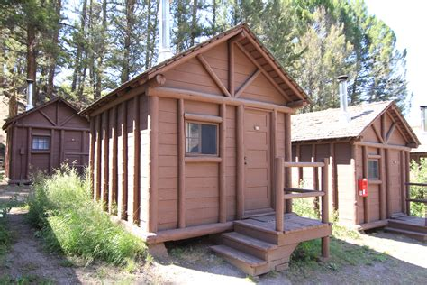 park cabin roosevelt lodge cabins yellowstone reservations