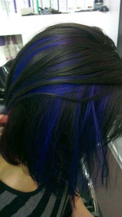 older eoman eith balayage highlights what hair color and style streaks highlights suits a