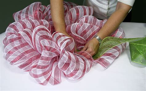how to make wreaths party ideas by mardi gras outlet candy cane stripe