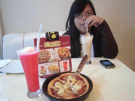 Paket Hemat Banget icip icip promo hemat banget di pizza hut ila rizky