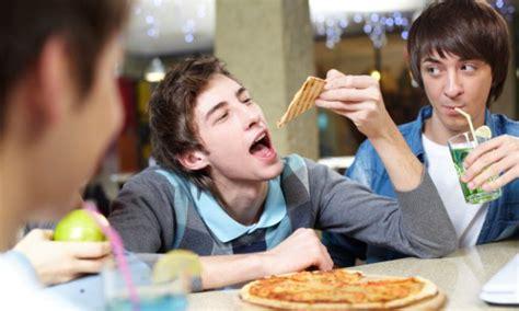 restaurant etiquette  tweens  teens daily parent