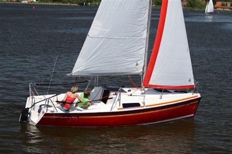sportieve kajuitzeilboot zeilboot huren in friesland