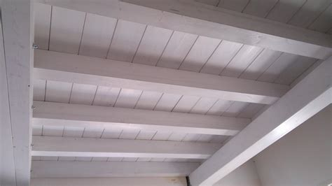 travi legno soffitto finest travi lamellari abete with travi in legno per soffitto