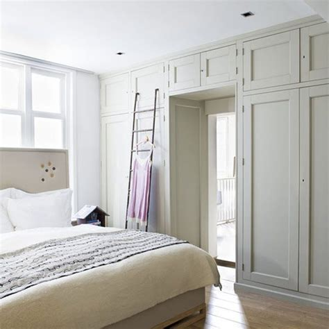 Build An Ensuite In Bedroom by Best 25 Build In Closet Ideas On Wardrobe In Bedroom Wardrobe Shelving And Master