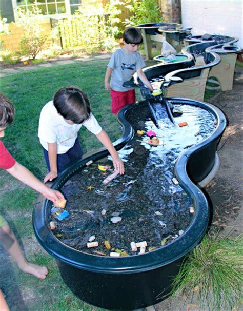 big backyard nursery school wasseranlage aus gartenteich elementen sandkasten
