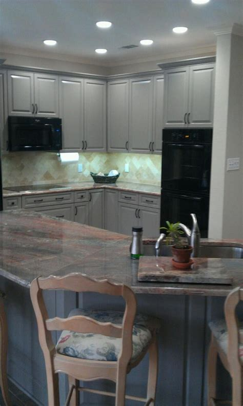 3cm bordeaux granite countertops provided by