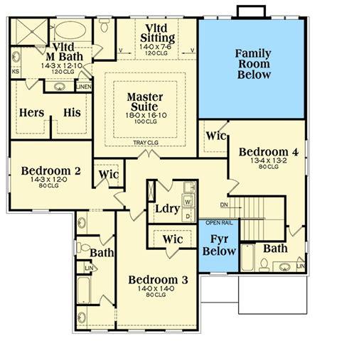walk  closet   bedroom gb  floor