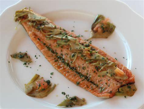 come si cucina la trota salmonata ricetta trota salmonata con carciofi