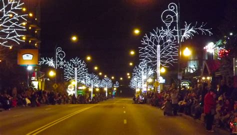 gatlinburg s fantasy of lights christmas parade guide