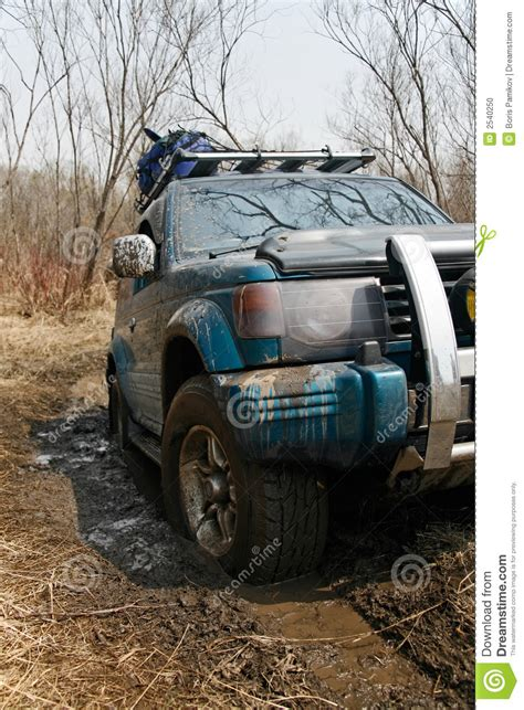 jeep stuck in mud jeep got stuck in the mud stock photo image 2540250