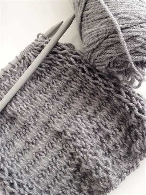 beginner knit scarf this is a great scarf pattern for beginner knitters since