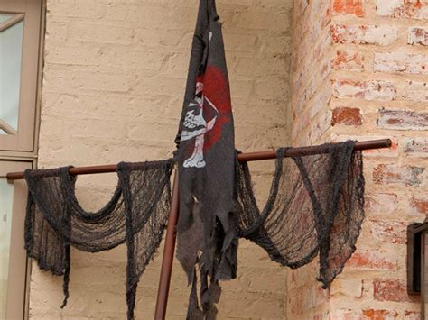 Pirate Decorations by Extraordinary Guidance For Pirate Theme Decorations