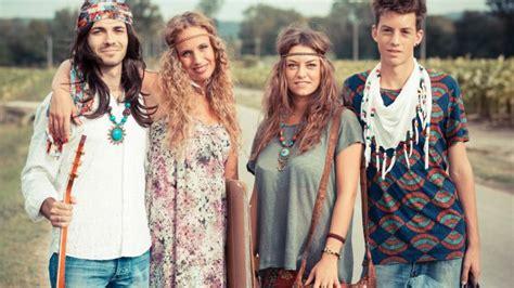 come si vestivano i figli dei fiori come realizzare un costume da hippie per carnevale