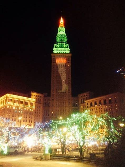 christmas lights cleveland ohio terminal tower lights christmas story leg l google