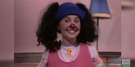 big comfy couch pictures loonette the clown now alyson court is more famous than