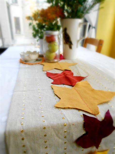 creative ideas for table runners festive diy table runners decor ideas