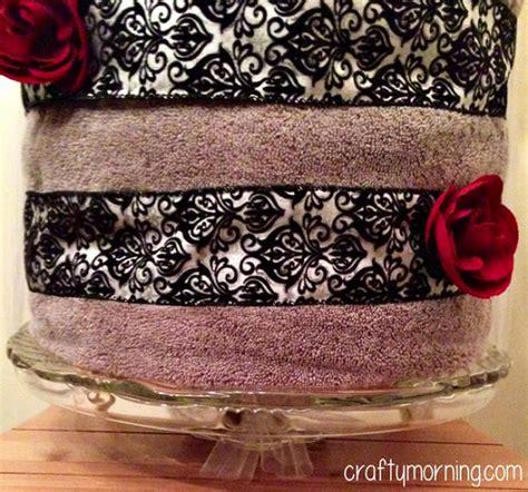 crafty wedding shower gift ideas diy bridal shower towel cake gift idea crafty morning