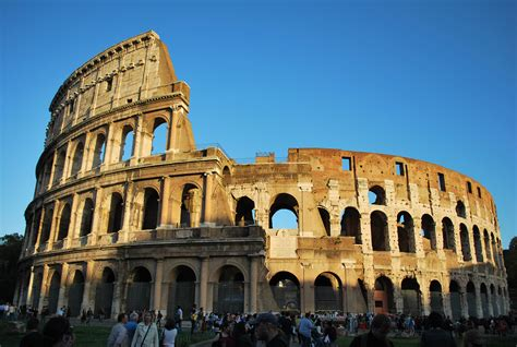 famous builders file colosseo 1 jpg wikimedia commons