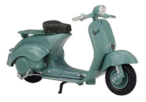 Miniatur Vespa 125 U 1953 Diecast Newray Motor Ride 132 1 18 scale maisto diecast 1953 vespa 125 u scooter model nm01b384 ezmotortoys