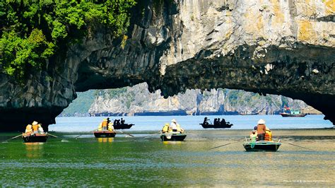 halong bay boat trip a warm welcome to halong bay boat trip halong bay cruise