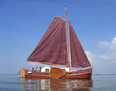 zeilboot platbodem tjalk platbodem zeiltjalk kajuitzeilboot 10 meter 5
