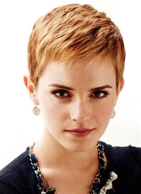 Emma Watson Short Hairstyle: Subtle Waves   Pretty Designs