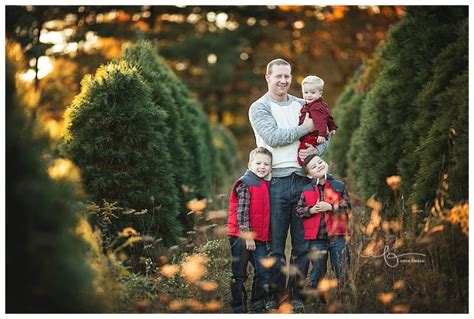 christmas tree farm photography ct tree farm photography sesssion