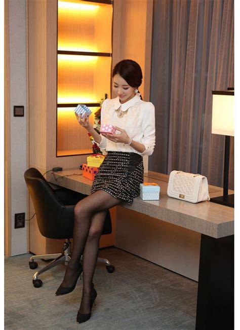 Blouse Wanita Bahan Katun Blouse Bunga Bunga Cantik blouse wanita bunga bunga putih model terbaru jual murah import kerja