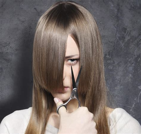 how to decide between cutting your hair or not with pictures a guide to cut your own hair go for it girls