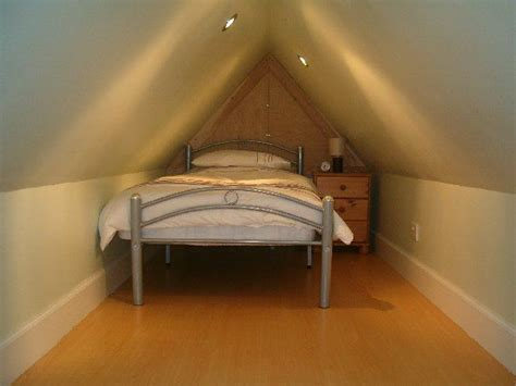ideas for small attic bedrooms 1000 ideas about small attic room on pinterest small attics small attic bedrooms